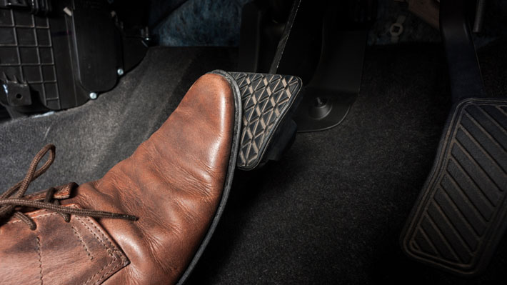 10 reglas sobre los frenos para una conduccion segura